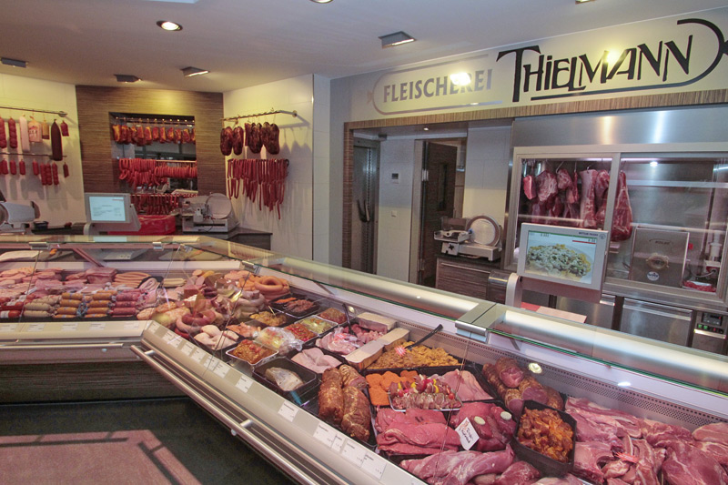 Wurst und Fleischtheke der Fleischerei